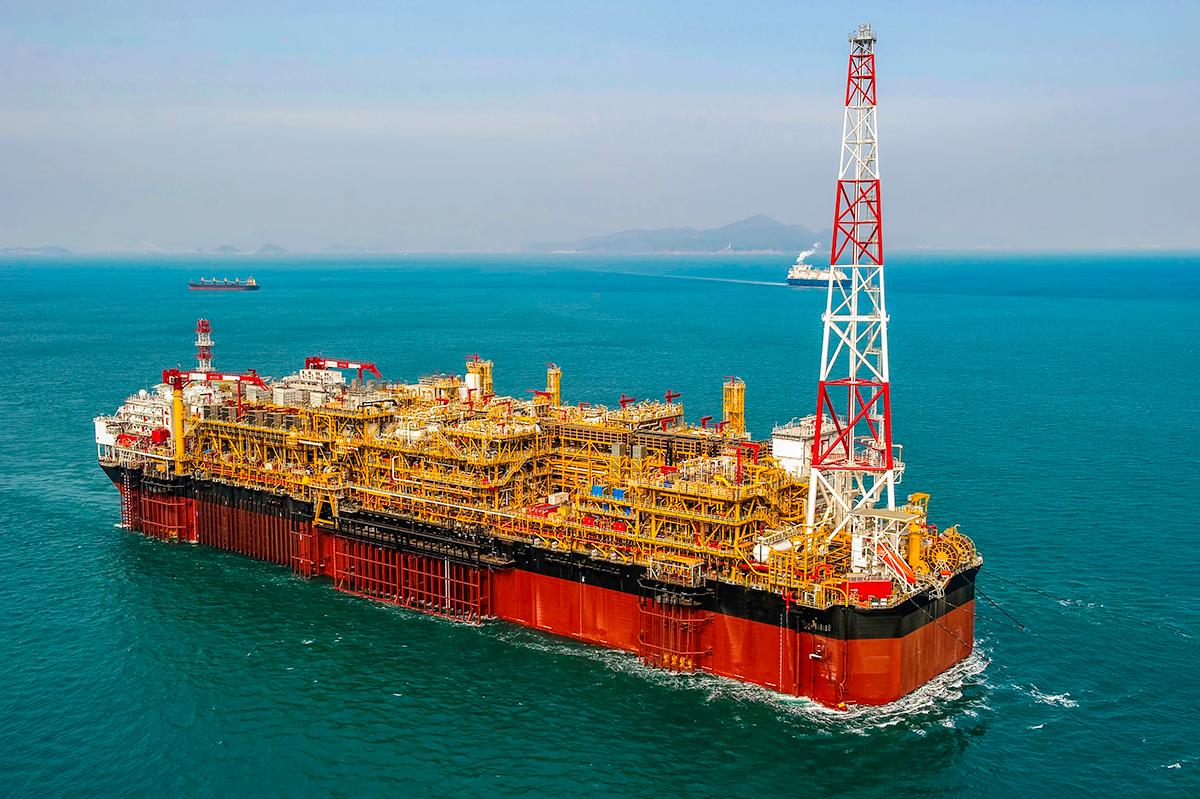 Oil drilling in the sea azurite